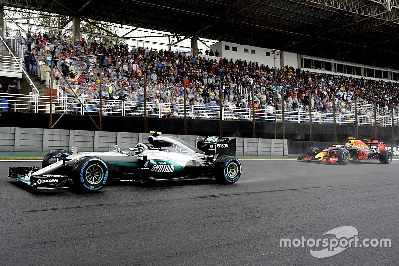 Teamchef: Mercedes auch in F1-Saison 2017 Favorit
