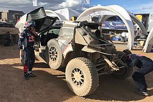 """Dakar Entrevista Sainz: """"Me duele la espalda, no sé si podré seguir"""""""