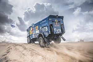 Dakar Relato de estágio Van den Brink vence estágio; Sotnikov retoma liderança