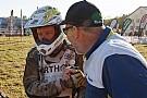 Arjan Bos rijdt met gebroken sleutelbeen naar finish van Dakar