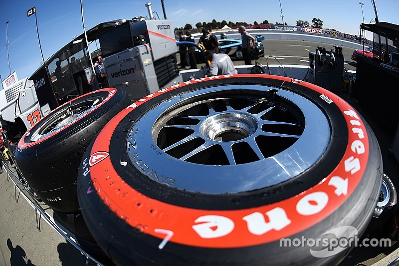 IndyCar extiende su contrato con Firestone