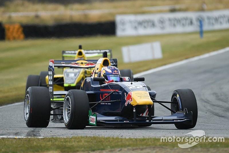 TRS Teretonga: Verschoor domineert race 3, finisht tweede in race 2