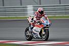 Stoner begonnen aan Ducati-test op Sepang, Lorenzo kijkt toe