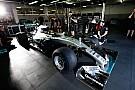 Mercedes: перший піт-стоп на нових шинах Pirelli