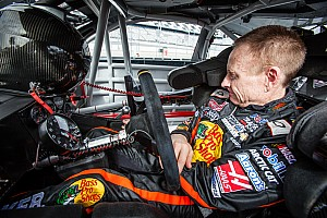 Stock car Breaking news Former NASCAR star Mark Martin to race stock cars in Canada