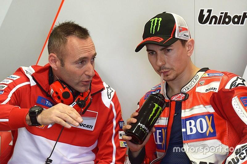 """Lorenzo: """"Rossi oggi non ha lo stesso potere che avevo io in Yamaha"""""""