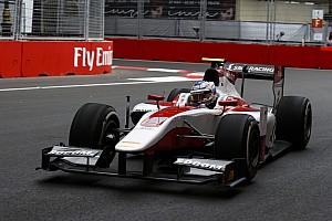 FIA F2 Son dakika Bakü'de Albon'un yerine Sirotkin yarışacak