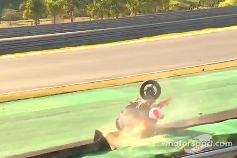 VIDEO: Piloto de Superbike muere en accidente en Interlagos