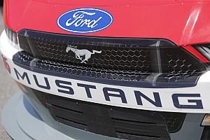 NASCAR Cup News Als Antwort auf den Camaro: Bringt Ford 2018 den Mustang?