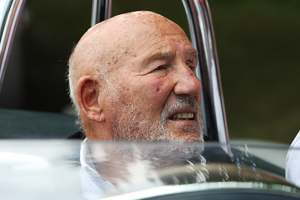 Lenda da F1, Moss anuncia aposentadoria da vida pública