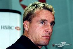 Jaguar Racing et HSBC renouvellent leur sponsoring : Eddie Irvine