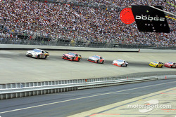 Race action: Dale Jarrett in front of Ricky Rudd