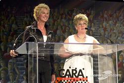 Fashion Show co-présidente Diana Hubbard et Pam Jenkins