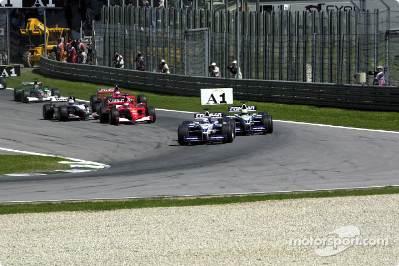 The start: Juan Pablo Montoya and Ralf Schumacher in front of Michael Schumacher