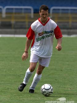 Juego de futbol a caridad de Hope for Children en el Estadio Maracaná de Río de Janeiro: Michael Sch