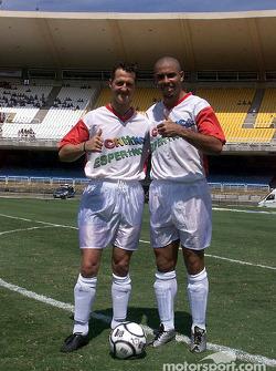 Match de football au Maracana de Rio de Janeiro : Ronaldo et Michael Schumacher