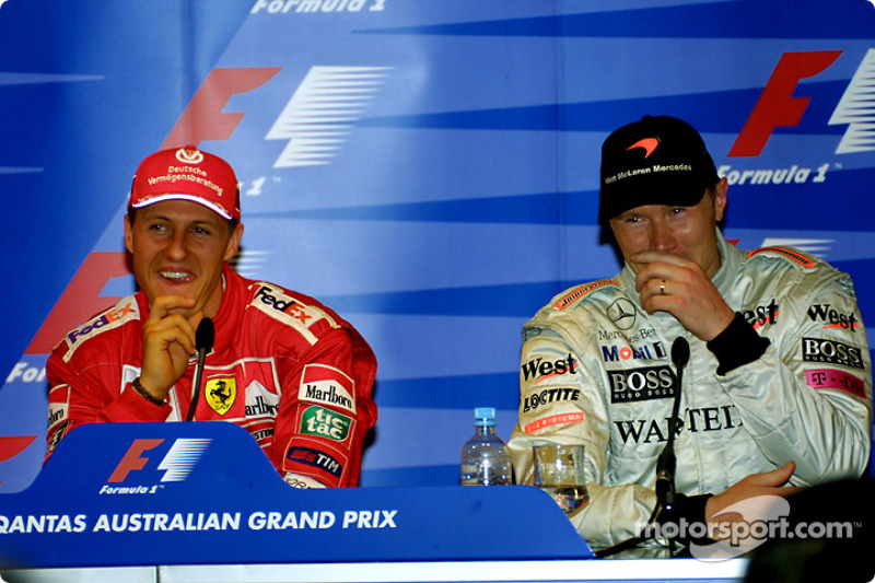 Having fun at the press conference: Michael Schumacher and Mika Hakkinen