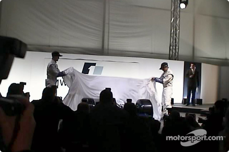 Ralf Schumacher and Juan Pablo Montoya unveiling the FW23