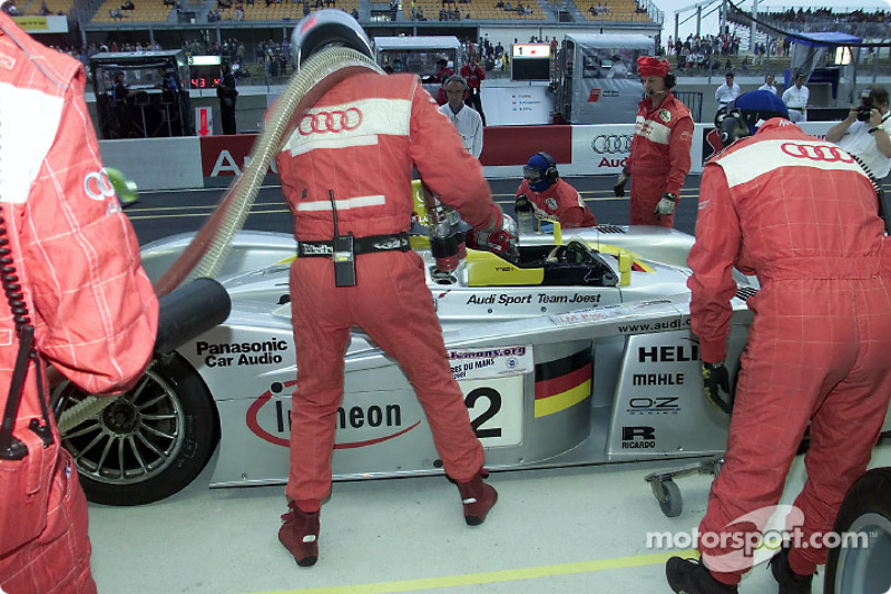 The Infineon Audi R8 (#2) of Rinaldo Capello at service during second qualifying