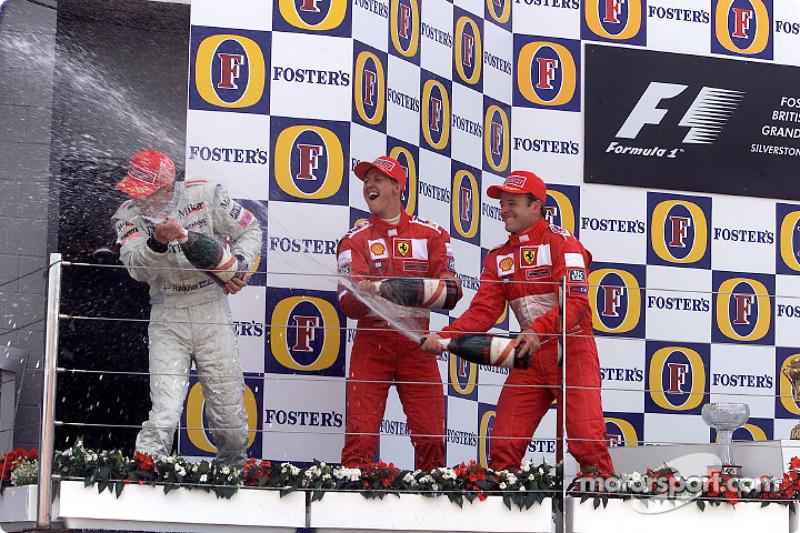 El podio: Mika Hakkinen, Michael Schumacher y Rubens Barrichello