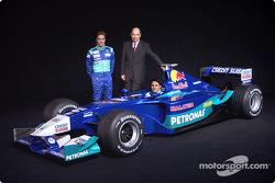 Peter Sauber, Nick Heidfeld et Felipe Massa avec la nouvelle Sauber Petronas C21