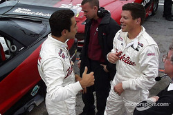Helio Castroneves et Scott Sharp