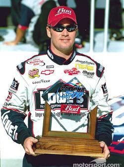 El ganador del premio Bud de la Pole para las Daytona 500 de 2002, Jimmie Johnson