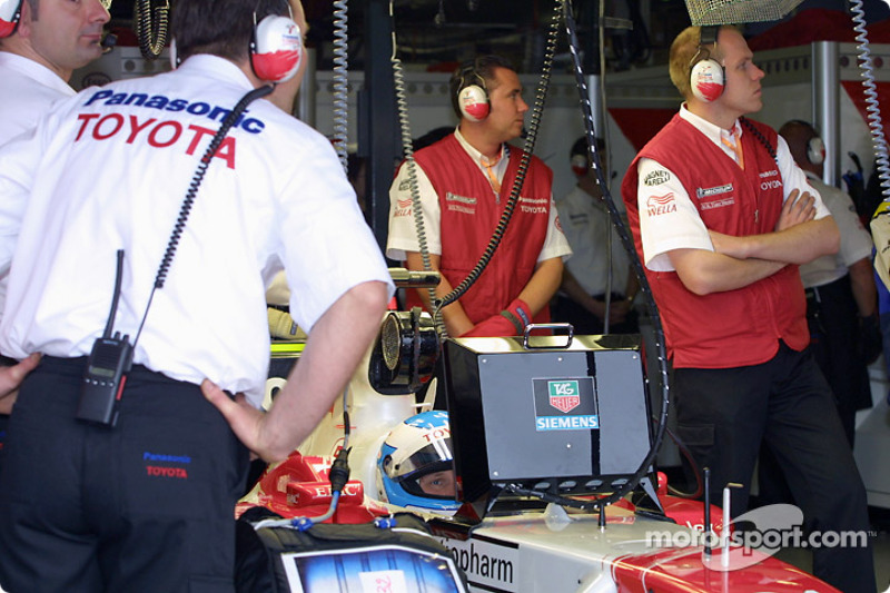 Mika Salo in the garage
