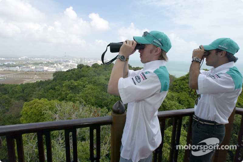 Visit at Petronas integrated petrochemical Complex in the town of Kerteh: Nick Heidfeld and Felipe M