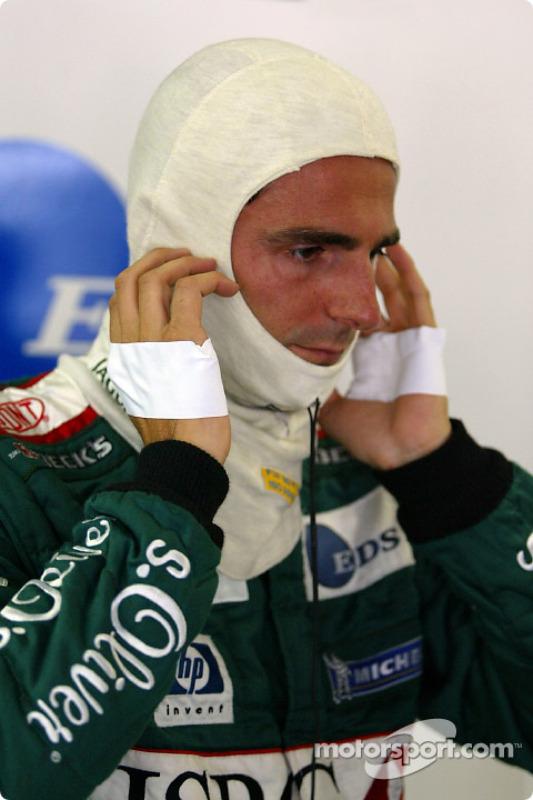 Pedro de la Rosa preparándose para la carrera