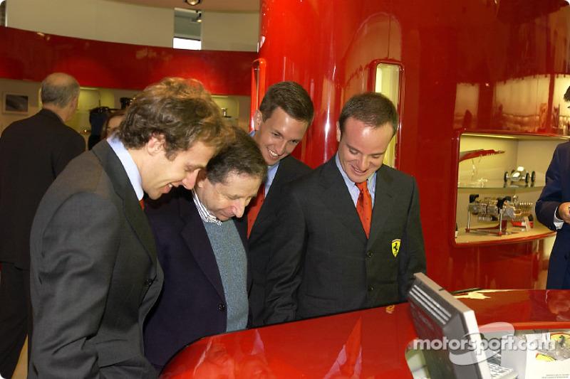 Inauguration d'un Ferrari Store à Maranello : Luca Badoer, Jean Todt, Luciano Burti et Rubens Barrichello