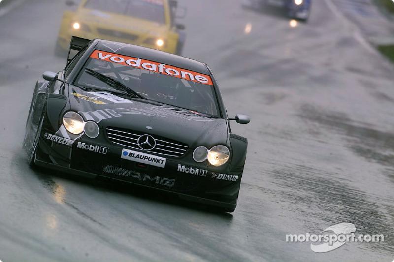 Одну из пяти побед в том году Mercedes завоевал бывший пилот Формулы 1 Жан Алези, и случилось это в уже третьей гонке его дебютного сезона