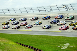 Typical Talladega 3-line action