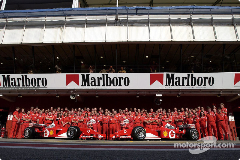 Foto familiar para el Equipo Ferrari
