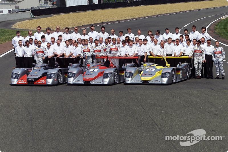 The Audi team for the 24 Hours of Le Mans 2002