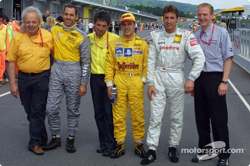 El ganador de la pole, Laurent Aiello con Alain Menu y Bernd Schneider