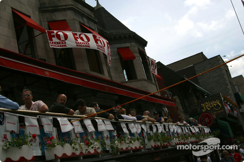 Festividades del Gran Premio en Crescent Street