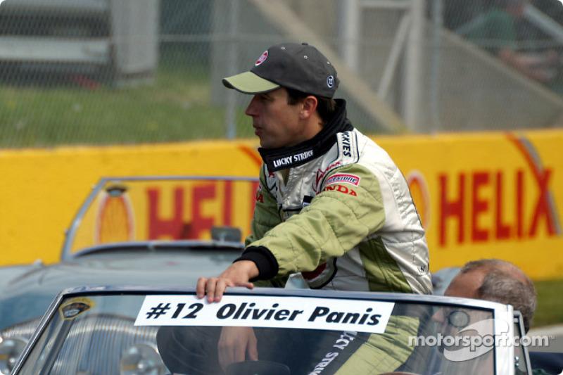 Desfile de pilotos: Olivier Panis