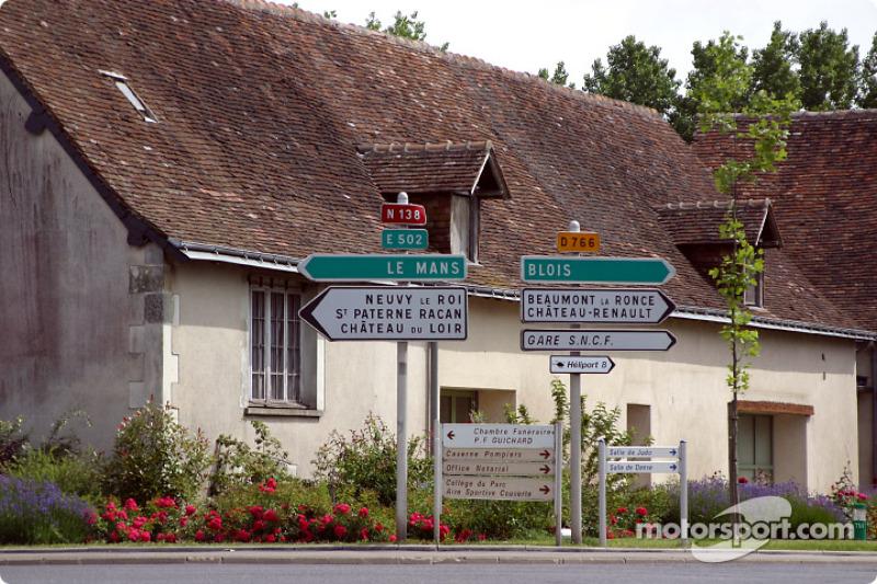 Por aquí se llega a Le Mans