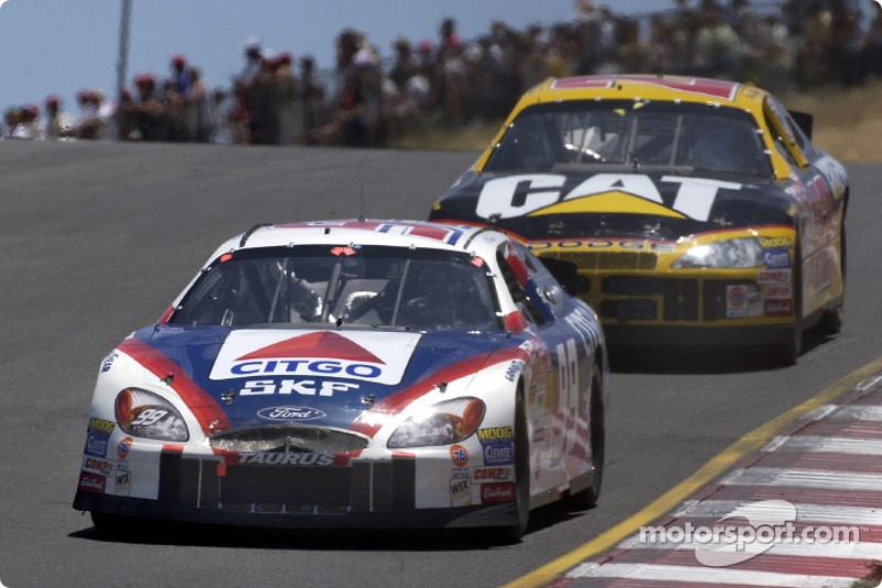 Jeff Burton frente a su hermano, Ward