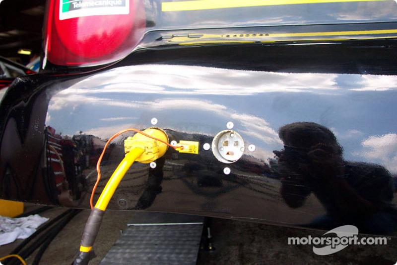 Calentador del tanque de aceite y termómetro en el Chevy de Harvick