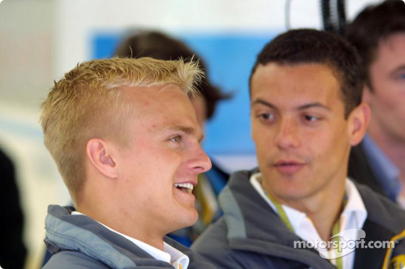 Los pilotos del programa Renault para el Desarrollo de Pilotos Heikki Kovalainen y Fabio Carbone