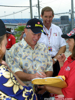 Ricky Rudd and No Bull fan