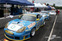 Porsches on false grid