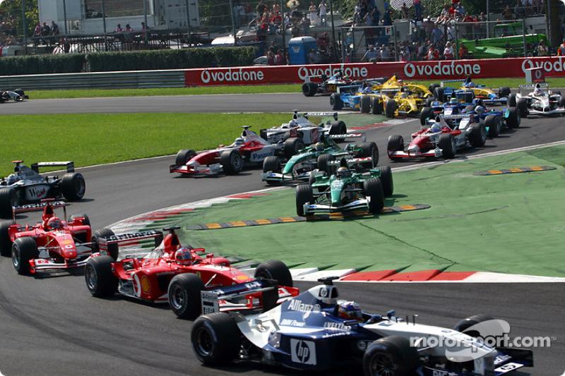 The start: Juan Pablo Montoya in front of Rubens Barrichello and Michael Schumacher