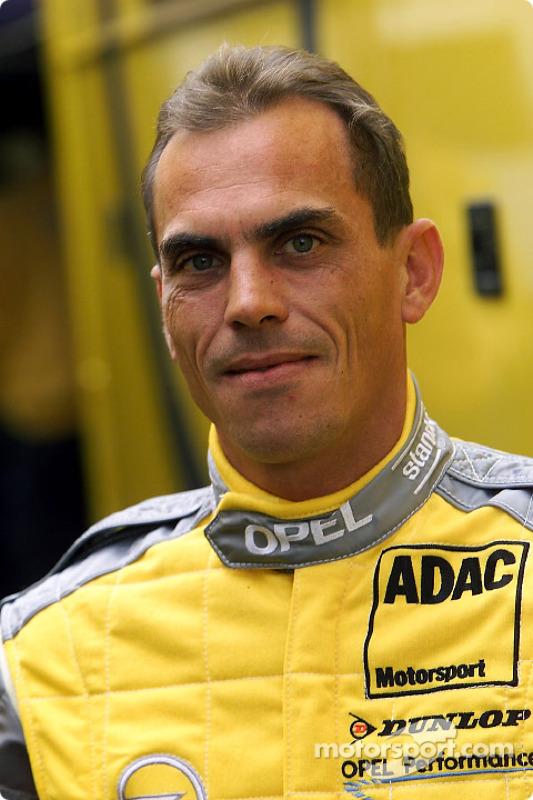 Éric Hélary