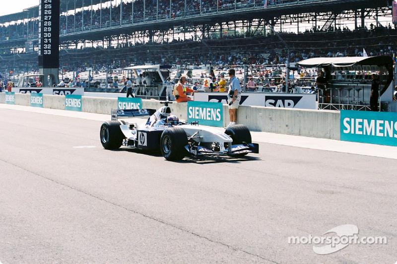 Juan Pablo Montoya leaves for starting grid