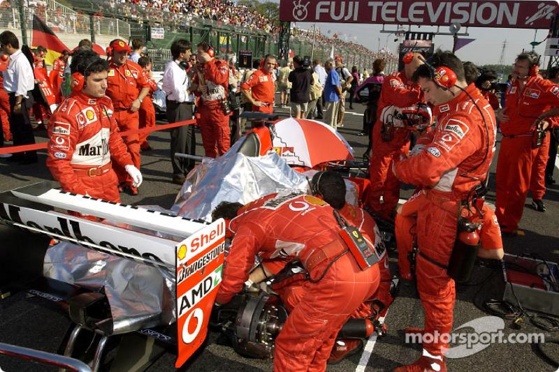 El Equipo Ferrari en la parrilla de salida
