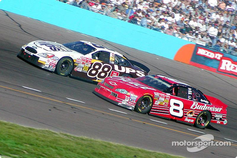 Dale Jarrett et Dale Earnhardt Jr.