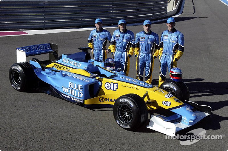 Jarno Trulli, Fernando Alonso, Allan McNish and Franck Montagny with the new Renault F1 R23